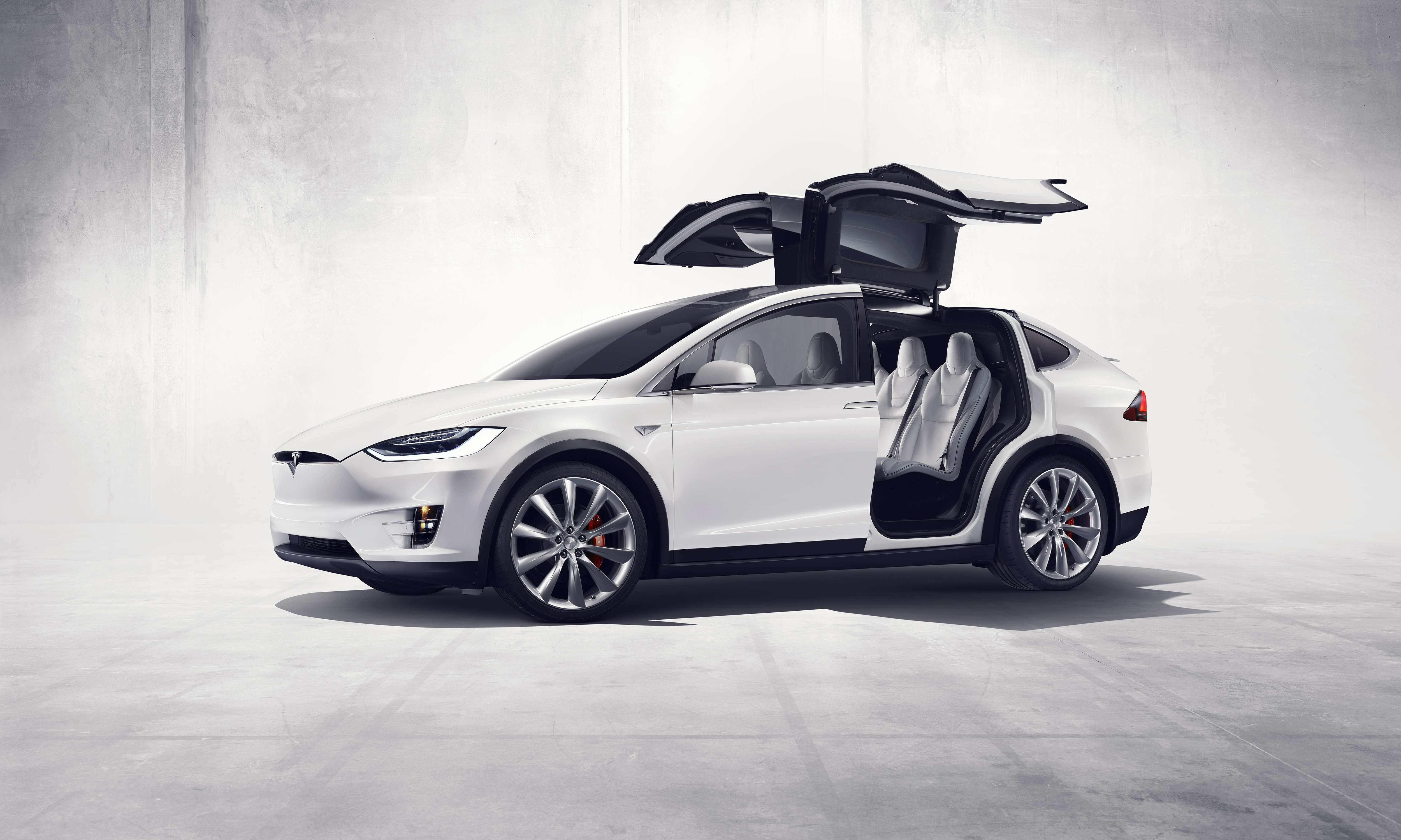 Tesla launches model x with an industry first hvac feature figure 1 press03 model x front three quarter with biocorpaavc Images