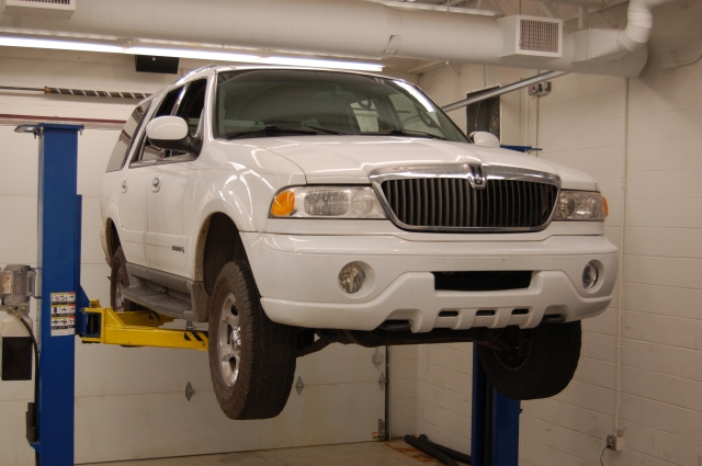 Lincoln Navigator and its Ford Expedition cousin are full size SUVs built by Ford Motor Company