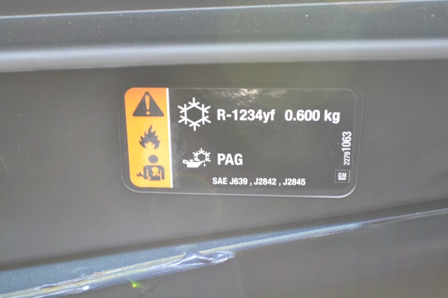2017 Malibus with R-1234yf use 0.600 kg (kilograms) of the gas, equivalent to 1.32 pounds (21.16 ounces). Not used to seeing kg on an A/C label? You should be! Grams (or kilograms to three decimal places), is the official unit of measure called for in the SAE J639 Standard which requires the label to be there. Manufacturers are allowed to include other units as well like pounds, ounces or cc, but must list the proper amount in g or kg.